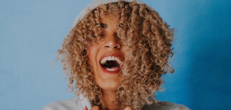 Zahngesundheit-zunge-mundhöhle-zahnarzt-muenchen