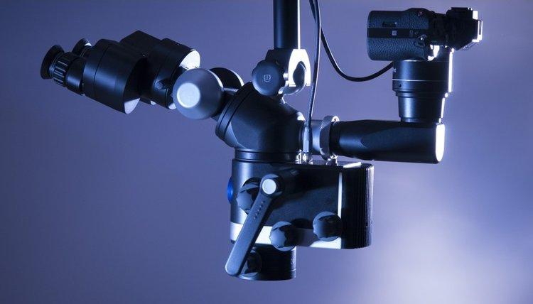 Wurzelkanalbehandlung unter Mikroskop - Zahnarztpraxis Max34 | Dr. Pink | Dr. Wolferstätter | Kollegen