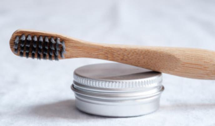 Bedenkliche Inhaltsstoffe in Zahnpasta? – Auf welche Stoffe Sie lieber verzichten sollten