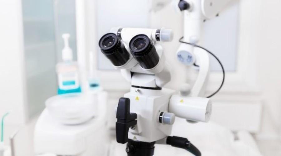 Wurzelkanalbehandlung: Zähne erhalten durch mikroskopisch genaues Arbeiten